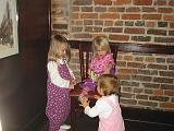 2006-11-02.big_river_grille.restaurant.matti-grace-seren-snyder.1.nashville.tn.us.jpg