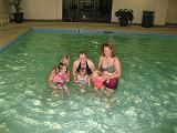 2006-11-03.pool.ellie-grace-cindy-matti-nessa-seren-snyder.2.nashville.tn.us.jpg