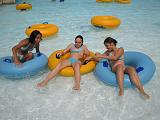 2006-07-27.waterpark.red_oaks.tubing.carlene-lisa-elizabeth.2.madison_heights.mi.us.jpg