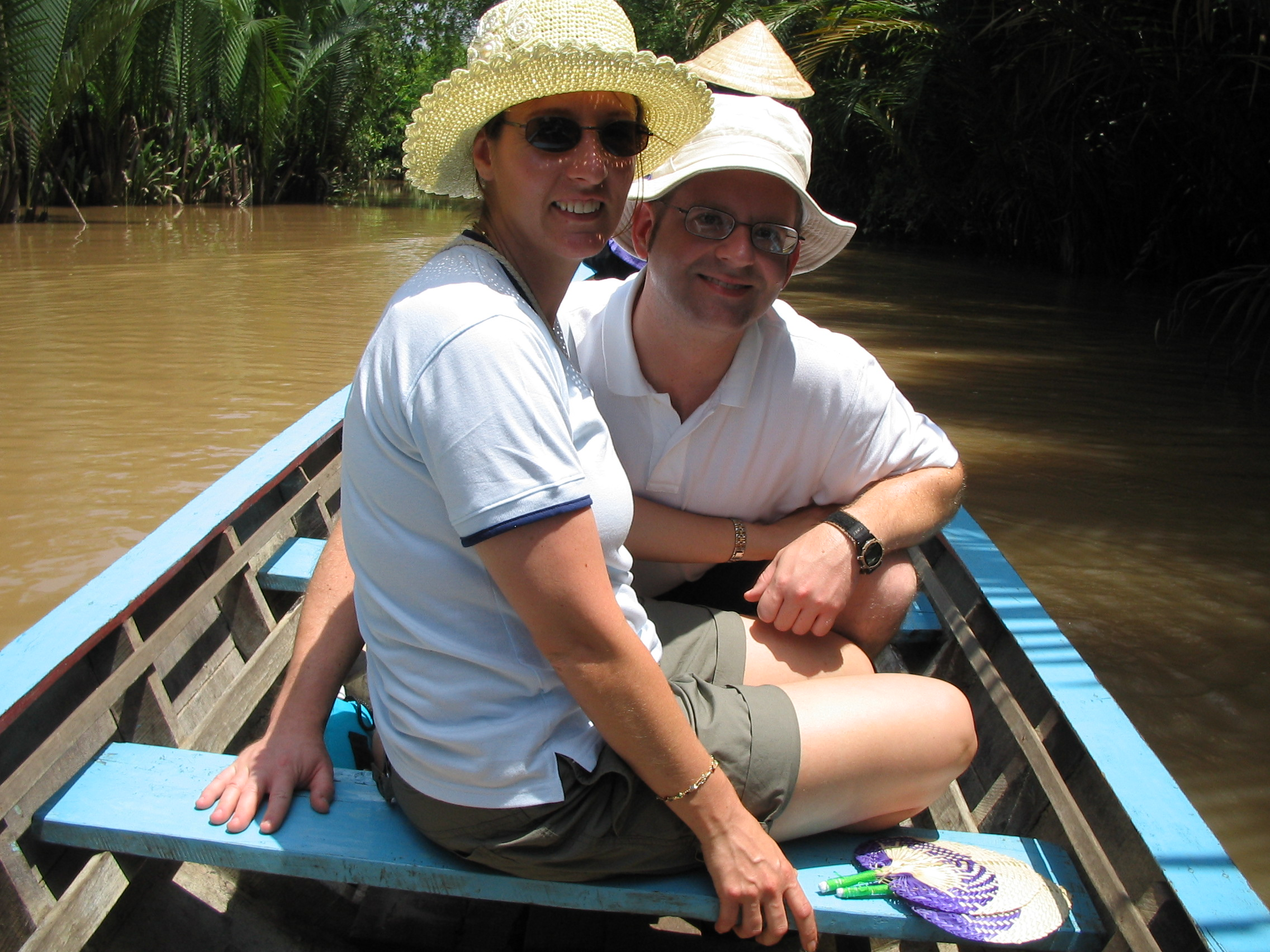 2004-07-05.mekong_delta.canal_small.kevin-nessa-snyder.1.fav.my_tho.vn