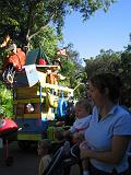 2006-10-24.parade.5.animal_kingdom.orlando.fl.us.jpg