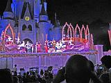 2007-12-23.castle.snow_white.09.magic_kingdom.disney.orlando.fl.us.jpg