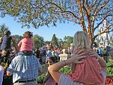2007-12-23.parade.01.nessa-seren-snyder.magic_kingdom.disney.orlando.fl.us.jpg
