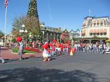 2007-12-23.parade.main_street.05.magic_kingdom.disney.orlando.fl.us.jpg
