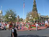 2007-12-23.parade.main_street.07.magic_kingdom.disney.orlando.fl.us.jpg