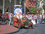 2007-12-23.parade.main_street.08.magic_kingdom.disney.orlando.fl.us.jpg