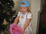 2007-12-25.christmas.playing.ball.03.seren-snyder.venice.fl.us.jpg