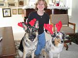2003-12-25.reindeer.antlers.nancy-snyder-reisa-sidnee.christmas.bel_air.md.us.jpg