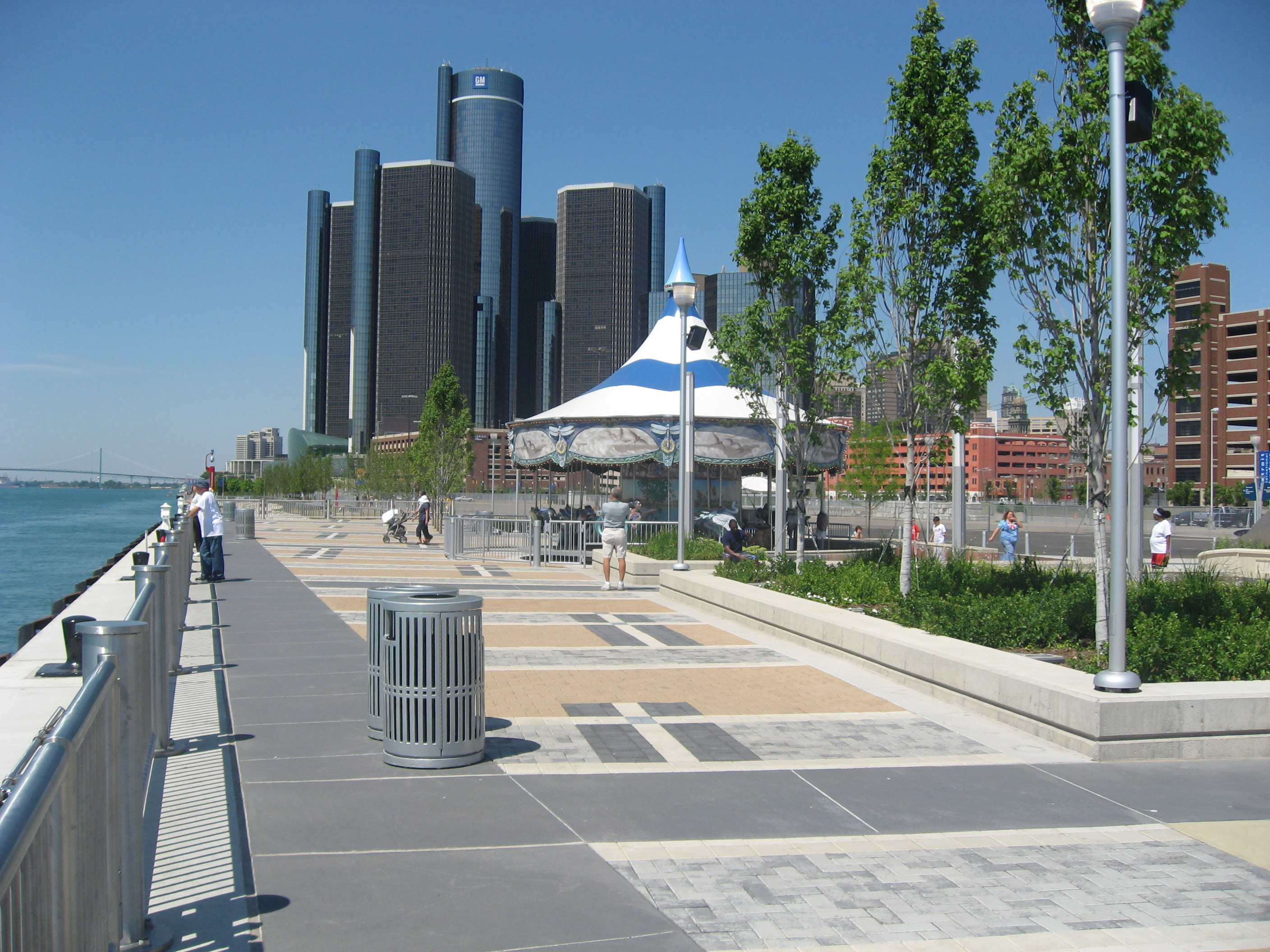 Detroit A City On The Rise Riverwalk Chris Zadorozny
