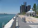 2007-07-07.river.panorama.2n.detroit_river_walk.mi.us.jpg