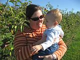 2007-10-09.farm.orchard.apple.25.paige-elliot.plymouth.mi.us.jpg