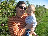 2007-10-09.farm.orchard.apple.26.paige-elliot.plymouth.mi.us.jpg