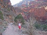 2007-11-17.canyon_return_ascent.bright_angel_trail.043.nessa-snyder.grand_canyon.az.us.jpg