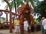 2004-07-10.tropical_gardens.pottery_figures.kevin-nessa-snyder.fav.nong_nooch.th.jpg